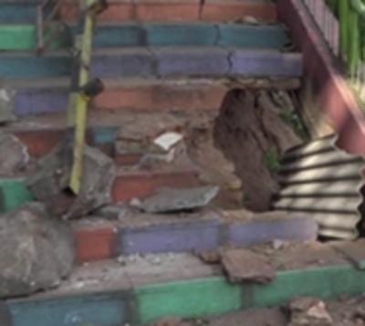 Mirador de Ita Pytã Punta en serio peligro de derrumbe