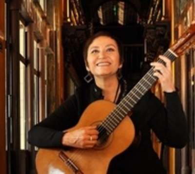 Berta Rojas: Primera mujer en recibir la 'Guitarra de Plata'