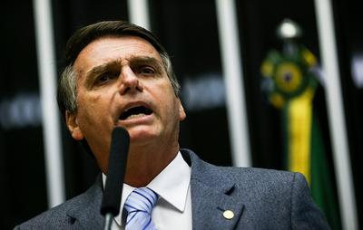 Bolsonaro cuestiona los alarmantes datos de deforestación en la Amazona