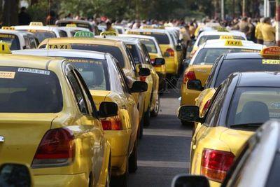 Taxistas anuncian paro nacional y amenazan que sitiarán Asunción