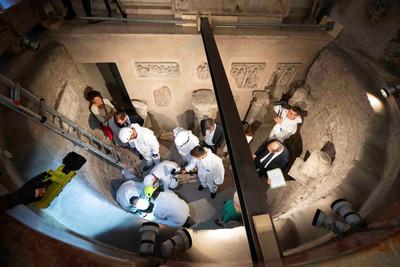 Abren osarios en el Vaticano buscando a menor desaparecida y hallan miles de huesos