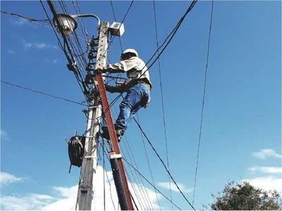 Fuertes vientos causan cortes de energía eléctrica
