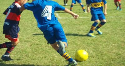Niño muere tras jugar fútbol