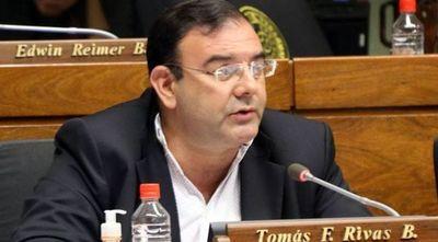 El diputado Tomás Rivas se burla de la justicia bajo el amparo político