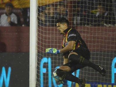El paraguayo que fue figura para eliminar al campeón argentino