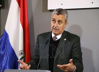 Villamayor molesto, dice que la Fiscalía no puede allanar una Comisaría