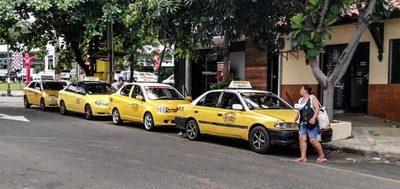 Fiscales y policías están atentos a movilización taxistas