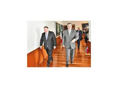 Pompeo reconoce avances de México con menor migración