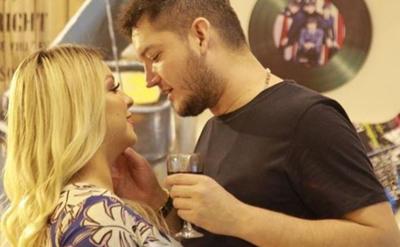 """Junior feliz de ingresar con su """"compañera de vida"""" a """"Baila Conmigo Paraguay"""""""