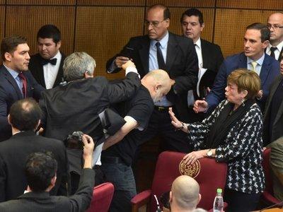 En Senado promueven suspensión por 60 días para Cubas y Riera