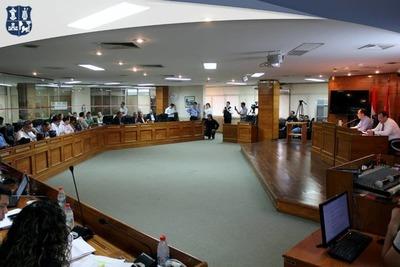 Junta Municipal debatirá el miércoles ordenanza para regular Muv y Uber