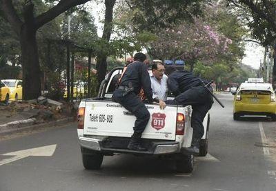 Movilización de taxistas registra primeros incidentes en Asunción
