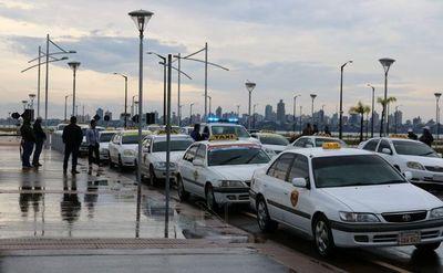 Taxistas encarnacenos se sumaron a la movilización nacional
