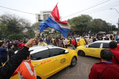 Acuerdo amarillo para despejar calles