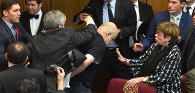 Riera y Payo, suspendidos