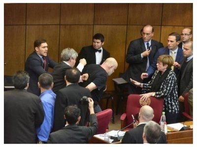 Senado decide suspender a Payo Cubas y Enrique Riera