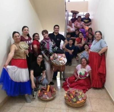 Dictan clases de danza a adultos mayores de Minga Guazú