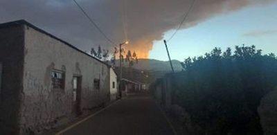 Alertan sobre nuevas erupciones del volcán Ubinas en Perú