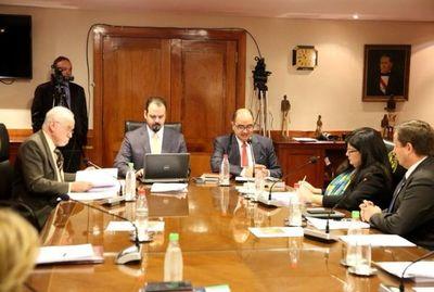 Ministros desisten de acción y ahora trabajan en reglamentación de la ley