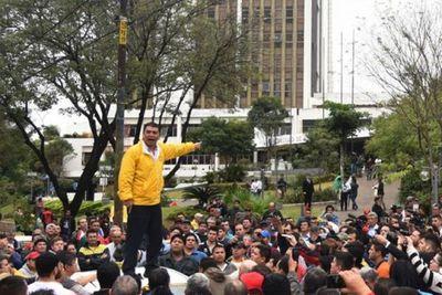 Arístides Morales y otros siete dirigentes taxistas con arresto domiciliario