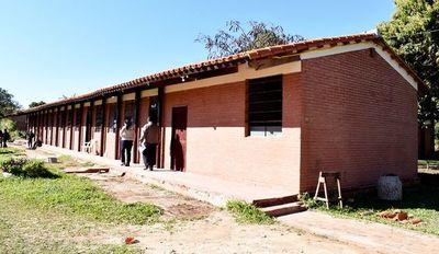 Denuncian mala calidad de obras en escuela de  Rosario