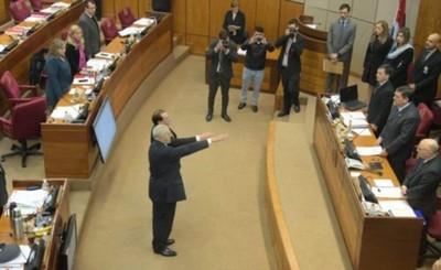 Falta de quórum retrasó el juramento de senadores suplentes