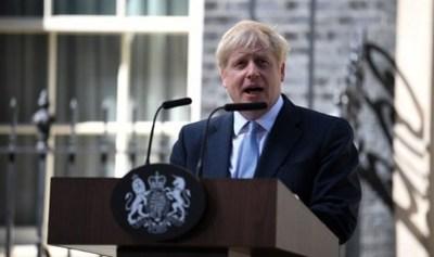 Premier británico promete el Brexit cueste lo que cueste