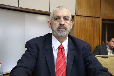 Senadores no están de acuerdo con juramento de Kencho Rodríguez
