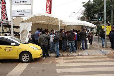Taxista que hizo loas al EPP anunció que no descarta huelga