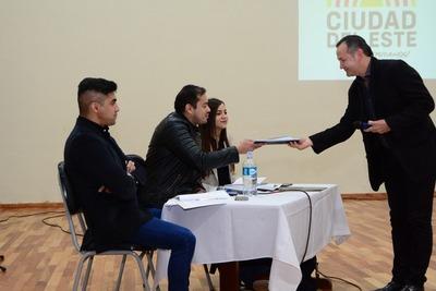 Empresas presentan a comuna de CDE propuestas para almuerzo escolar