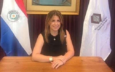 Abdo Benítez nombra a hija de periodista como viceministra