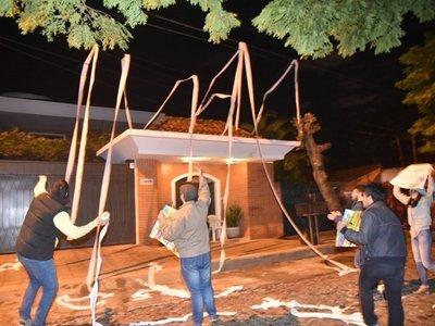 Escrachan a director de Itaipú por acuerdo secreto