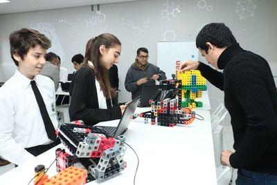 Colegio Israel inauguró moderno STEAM Lab