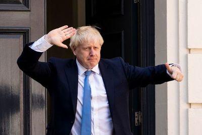 """Johnson abordará la negociación con la UE con  """"espíritu de amistad"""""""