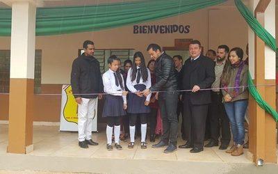 Inauguran obras en escuela de Ciudad del Este