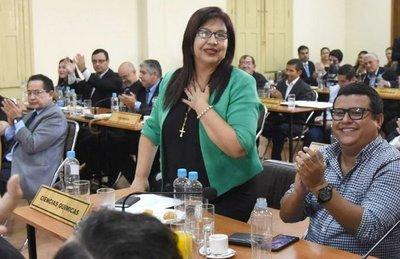 Suspicaz repartija de cargos a asambleístas en el Rectorado UNA