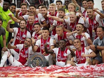 Un renovado Ajax conquista la Supercopa frente a un PSV inferior