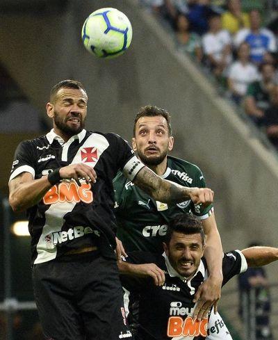 Palmeiras pone en bandeja el liderato al Santos