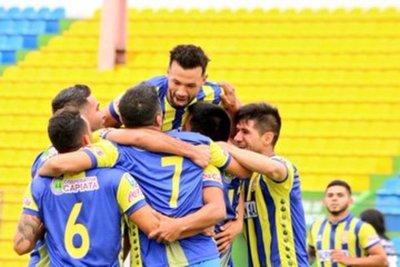 Deportivo Capiatá derrotó 3 a 1 a Deportivo Santaní