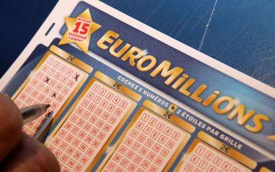 Encuentra billete de lotería en la calle y gana 12 millones de euros