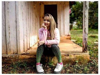 Marilina visitó su vieja y humilde casita en Villarrica