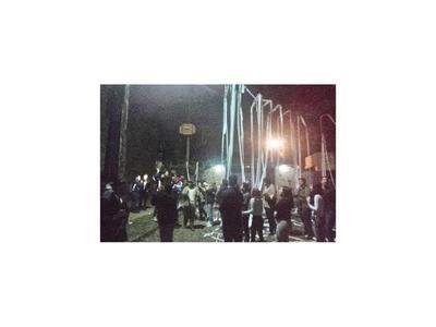 Protesta ciudadana alcanzó anoche a Marito y a Nicanor