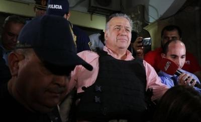 HOY / Conceden arresto domiciliario a González Daher y a su hijo