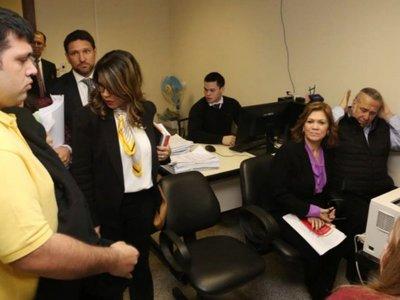 Ex senador González Daher y su hijo quedan con arresto domiciliario