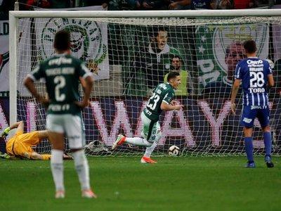 El Palmeiras vapulea al Godoy Cruz y se instala en cuartos de final