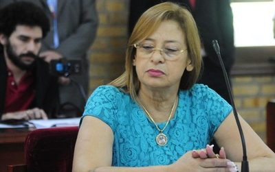 Lilian de Aguinagalde intenta censurar reclamos de jóvenes de reAcción