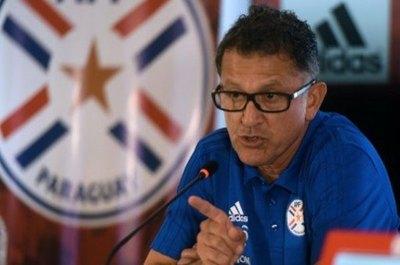 La dura suspensión al exDT albirrojo Juan Carlos Osorio