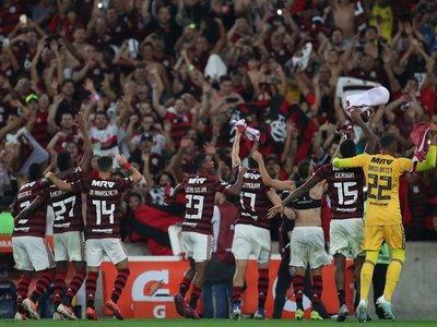 Flamengo clasifica en penales y se medirá en cuartos al Inter