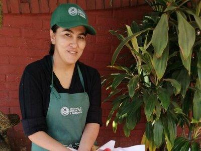 Comité de mujeres produce 10 mil kilos de frutillas