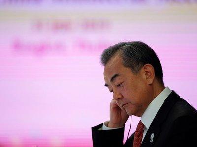 EEUU y China se reúnen en Bangkok para limar asperezas entre tensiones